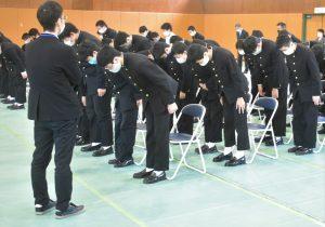 横浜中学校令和二年度表彰式3