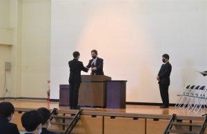 横浜中学校令和二年度表彰式2